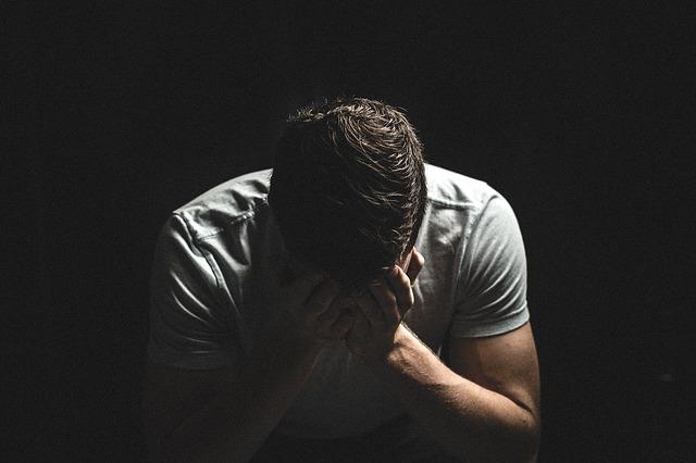 「仕事辞めたいのにお金がない」という人の見直すべき悪習慣