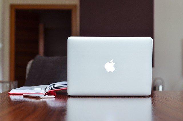 Macbookにマウスいる・いらない論争に結論!【いるでしょ】