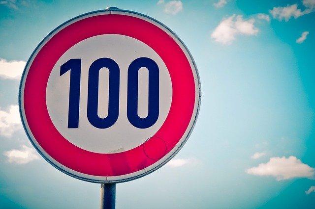 副業ブログで月1万到達するため100記事書こう