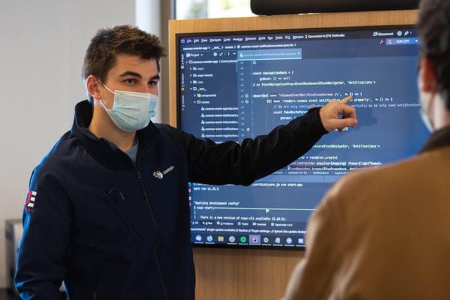 プログラミングの先生